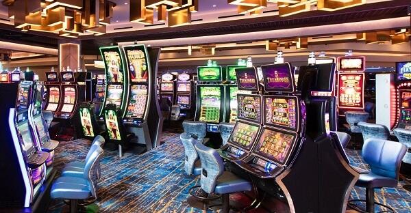 Slot machines at the Strat